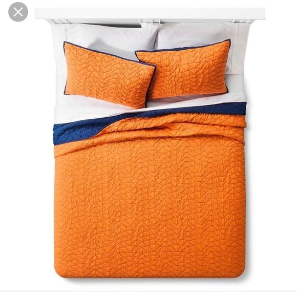 Triangle Stitch Quilt and Sham Set - Pillowfort